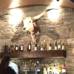 Photo taken at LongHorn Steakhouse by Geraldine S. on 3/21/2012