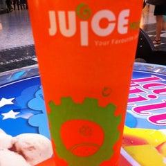 Photo taken at Juice Works by Alex l. on 6/10/2012