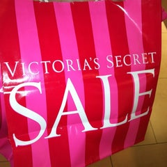 Photo taken at Victoria's Secret PINK by Amanda R. on 6/30/2012