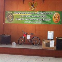 Photo taken at Pengadilan Negeri Tangerang by RingastaBelle B. on 4/27/2012