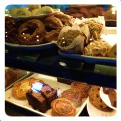 Photo taken at Starbucks by Jesse W. on 4/15/2012
