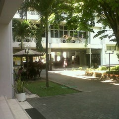 Photo taken at Fakultas Ekonomika dan Bisnis by Adi N. on 6/18/2012