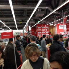 Photo taken at Media Markt by Luis C. on 3/1/2012