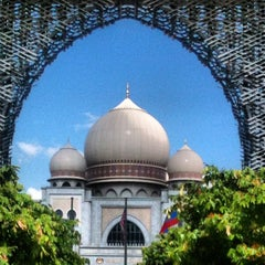 Photo taken at Putrajaya by yusrizal e. on 5/4/2012