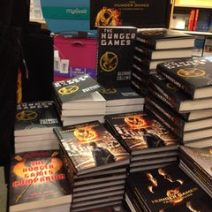 Photo taken at Barnes & Noble by Charry D. on 3/30/2012