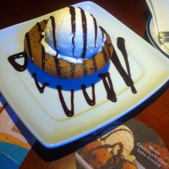 Photo taken at Red Lobster by Lindsay P. on 8/1/2012