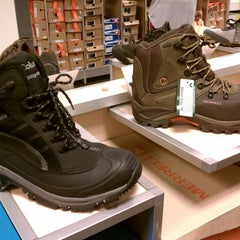 Photo taken at DSW Designer Shoe Warehouse by mystady.com (A-C) on 9/7/2012
