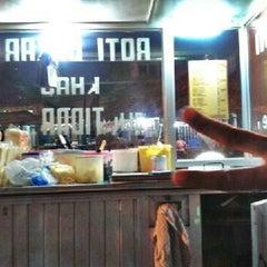 Photo taken at Roti Bakar Tidar by Ridho R. on 5/11/2012