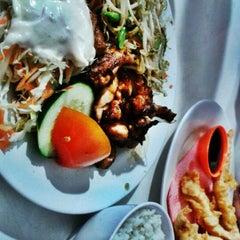 Photo taken at Qudama Japanese Food by Ayu T. on 5/22/2012