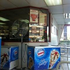 Photo taken at PizzaPizza by Rodrigo C. on 3/9/2012