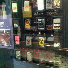Photo taken at Zippo & Case Museum/Visitor Center by Paul F. on 7/26/2012