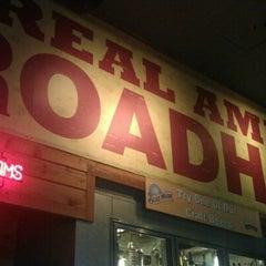 Photo taken at Logan's Roadhouse by Alexander R. on 8/26/2012
