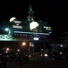 Photo taken at Alun-Alun Kediri by Indriawan Y. on 3/18/2012