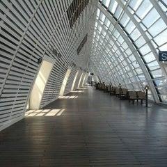 Photo taken at Gare SNCF d'Avignon TGV by Mark I. on 4/22/2012