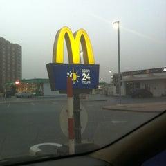 Photo taken at McDonald's - ماكدونالدز by Clarkwin C. on 6/23/2012