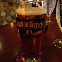 Photo taken at Gordon Biersch Brewery Restaurant by Steven on 5/5/2012