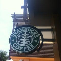 Photo taken at Starbucks (สตาร์บัคส์) by Colin S. on 4/13/2012