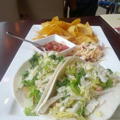 Photo taken at California Pizza Kitchen | 詞碧閣西餐厅 by Mike C. on 7/22/2012