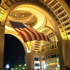 Photo taken at Boston Harbor Hotel by Lesley R. on 9/2/2012