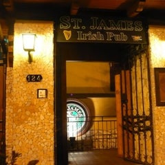Photo taken at St. James Irish Pub by petrelli a. on 9/3/2012