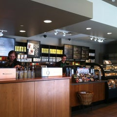 Photo taken at Starbucks by Totsaporn I. on 4/28/2012