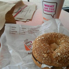 Photo taken at Dunkin Donuts by Yesenia L. on 5/3/2012