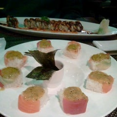 Photo taken at Big Tuna Sushi Restaurant by Leslie B. on 4/19/2012