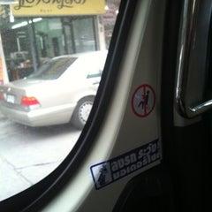 Photo taken at คิวรถตู้ BH (BH Van Stand) by Uai K. on 8/28/2012