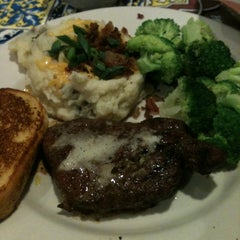 Photo taken at Chili's Grill & Bar by Britney R. on 6/1/2012