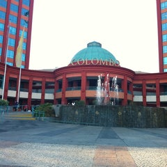 Photo taken at Centro Comercial Colombo by Sérgio M. on 8/27/2012