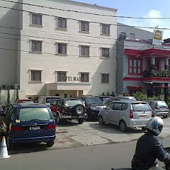 Photo taken at Hotel mazaya bekasi by -::- Info Bekasi -::- on 5/31/2012