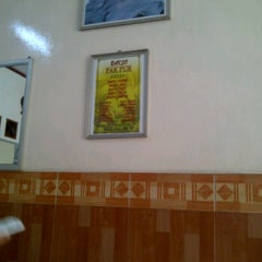 Photo taken at Bakso Pak Pur by Ody C. on 4/6/2012