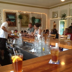 Photo taken at Hanalei Gourmet by Patricia H. on 4/12/2012