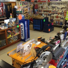 Photo taken at Alca Tools by ALCA T. on 5/30/2012