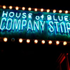 Photo taken at House of Blues San Diego by Yolanda A. on 8/4/2012