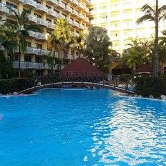 Photo taken at Sonesta Maho Beach Resort & Casino by Fabio R. on 2/15/2012