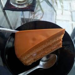 Photo taken at Coffee Tea Time by Sermsak K. on 4/28/2012
