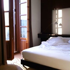 Photo taken at Casa Torner i Güell by Rod P. on 6/5/2012