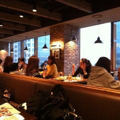 Photo taken at 빕스 (VIPS) by Jerald K. on 3/16/2012