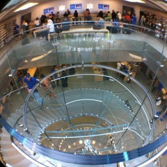 Photo taken at Apple Store, Boylston Street by Edwin M. on 8/27/2012