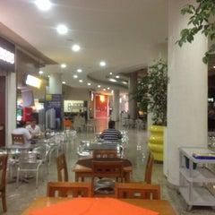 Photo taken at Shopping Buena Vista by Ubirajara O. on 5/29/2012