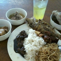 Photo taken at Carinderia Buffet by Bert C. on 3/23/2012