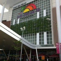 Photo taken at AEON Ipoh Station 18 Shopping Centre by Zatariиa Y. on 5/19/2012