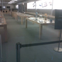 Photo taken at Apple Store, Maine Mall by Alexandra on 7/12/2012