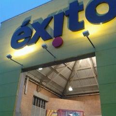 Photo taken at Éxito Envigado by Jairton G. on 7/5/2012