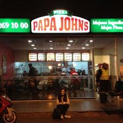 Photo taken at Papa John's Pizza by Lucas on 9/6/2012