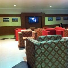 Photo taken at MAI Sky Smile Lounge by  NSTOB  on 5/14/2012