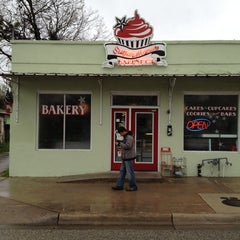 Photo taken at Sugar Mama's Bakeshop by The City Flea on 3/10/2012