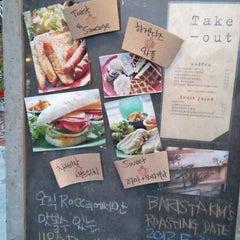 Photo taken at 카페 로카 by Mang M. on 6/3/2012