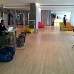 Photo taken at Sanderson Hotel by Nicoletta R. on 7/17/2012